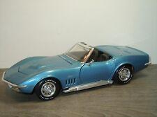 1969 Corvette Stingray - Revell 1:18 *35497