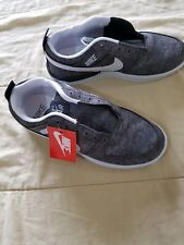 NEUVES Chaussures NIKE Grises 36