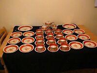 31 pcs, Antique Kueps Bavaria Lindner Porcelain Hand Painted Red Gold, Excellent