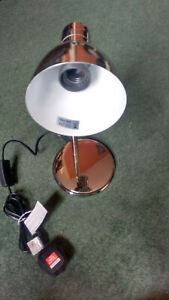 BEAUTIFUL CHROME DESK LAMP. SHELLEY MODELBB523