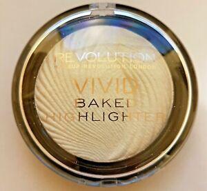 Makeup Revolution Vivid Baked Highlighter Highlighting Powder Golden Lights