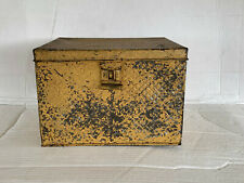 Vtg Quilted Pattern Hinged Mulit Use Tin Box For Bread/ Shoes/ Sewing/ Toys