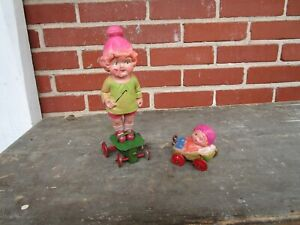 RARE VINTAGE PRE-WAR JAPAN WIND UP CELLULOID GIRL PULLING WAGON TOY