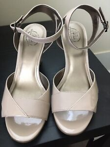 Life Stride Women's Open Toe Nude Tan Career Church High Heel Shoes Sz 8.5 NEW!