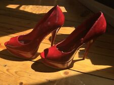 Chaussures Femme Vernis Rouge. Neuf. Haut Talon. Taille  38