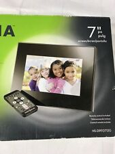 "Insignia Digital Picture Frame 7"" Screen Remote Control 800 X 480 Resolution New"