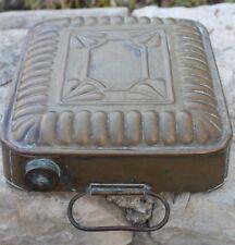 ancienne bouillotte avec poignée en cuivre jaune ou laiton
