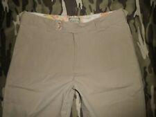 KHAKIS sz 10 (32x14)Beige Bermuda Capri shorts