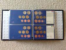 Münzalbum mit 12 Kursmünzensätzen (KMS) der Euroländer ab 2002