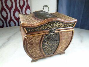 "Decorative Oriental Style Carry Box, HD Designs -Brass, Wood - 8""X9""X6.5"""
