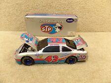 New 1996 Action 1:24 NASCAR Bobby Hamilton 1996 Silver STP Petty BW Bank Petty