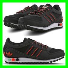 adidas trainer nere di pelle