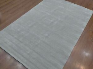 5' x 8' Rug  Modern Luxury Soft Hand-Loom Wool Gray Color  Area Rug