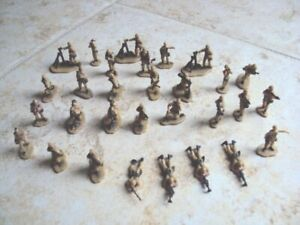 Lot of 30 Galoob Micro Machines TAN military figures (for Gamers?)