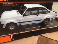 IXO 18CMC029 FORD ESCORT Mk.II RS1800 diecast model road car white 1977 1:18th