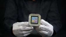 Apple iPod Nano 6th Gen 8GB Green BRAND NEW SEALED - 'The Masked Man'