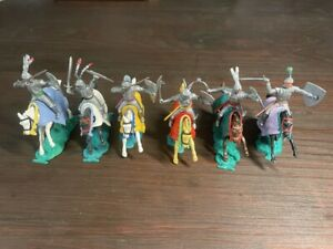 Timpo 1st Series Silver Knights Mounted - Complete Set - Medieval Era -1960's