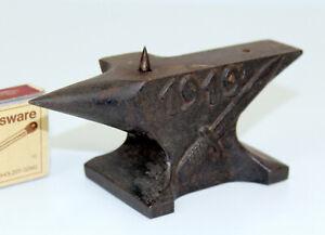 antik Miniatur klein Militaria Eisen Amboss Relief 1919 Offiziersmesser Bajonett