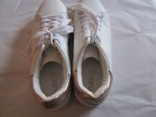 Childs Rubi White sneakers size 37