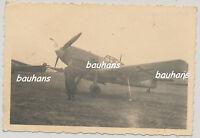 Foto Luftwaffe Flugzeug Me 109  Feldflugplatz 2.WK (u47)