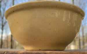ANTIQUE PRIMITIVE small Mixing Bowl YELLOW WARE