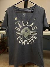 Dallas Cowboys Old Navy Large v-neck T Shirt