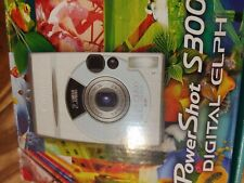 Canon PowerShot S300 Digital ELPH - IXUS 300 2.1 MP Camera  w Manual & Box Good