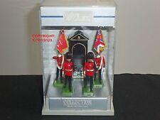 BRITAINS 8303 CEREMONIAL SCOTS GUARDS COLOUR PARTY + ESCORT TOY SOLDIER SET
