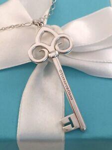 """Tiffany & Co Silver LARGE XL Fleur De Lis Key Pendant & Oval Link Necklace 18"""""""