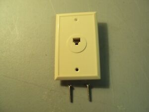 LOT OF 100  Telephone Jack Wall Plate Ivory RJ11 RJ 12 Modular 6-Conductor Phone