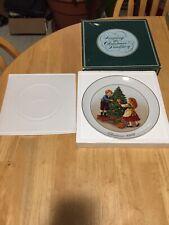 Vintage Avon 1982 Porcelain Plate Christmas Memories Series Trimmed 22K Gold