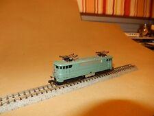 +++++ ARNOLD -  Locomotive BB-9200 + une voiture voyageurs UIC verte SNCF +++++
