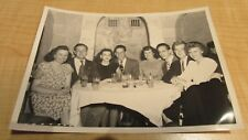 VINTAGE CHICAGO RESTAURANT PHOTOGRAPH COUPLES OUT 1940'S VERY NICE HIDE THE BEER