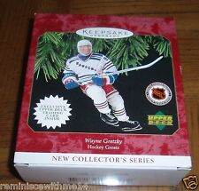 WAYNE GRETZKY-HOCKEY GREATS-NEW IN BOX 1997 CHRISTMAS ORNAMENT & UD TRADING CARD
