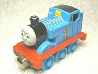 "2002 THOMAS & FRIENDS TAKE & PLAY #1 THOMAS 3"" DIECAST MAGNETIC TRAIN ENGINE"