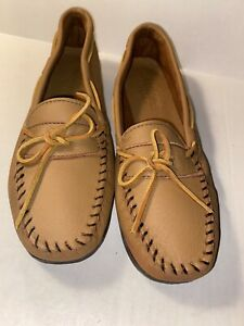 Minnetonka Women's Tan Leather Driving Moccasin Shoes SIZE 10 NEW Made in USA
