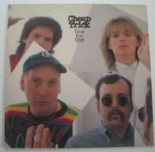 """CHEAP TRICK """"One on one"""" (Vinyl 33t/LP) 1982"""