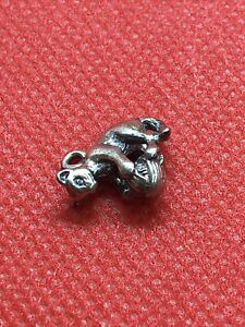 """James Avery """"RETIRED"""" 925 Sterling Silver Cat With Yarn Ball Charm"""