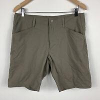 Merrell Mens Shorts Size 32 Khaki Green Good Condition With Zip Pockets
