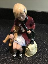 More details for royal doulton figurine 'the girl evacuee' no 7492