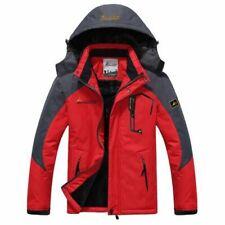 Cappotto da uomo con cappuccio rosso