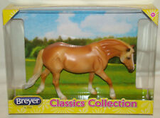 Breyer Chestnut Halfinger Classics Collection - looks Palomino