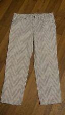 *Jones NY Sport* Wmn's 8 White/Gray Zig Zag Mid Stretch 5 Pkt Capri Jeans 30x24½