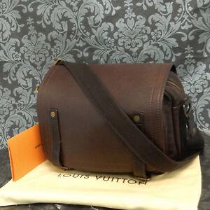 Rise-on LOUIS VUITTON Utah Reporter Dark Brown Leather Shoulder Messenger Bag #1