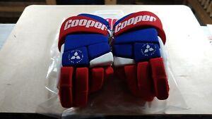 Vintage Cooper HG200 3-D 11.5 Flex Blue Red Ice Hockey Gloves New & Unused! Tags