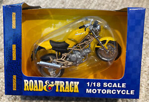 Road and Track Maisto 1:18 Scale Ducati Yellow Motorcycle NIB