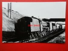 PHOTO  LMS JUBILEE 4-6-0 (4)5635 TOBAGO ON DOWN GOODS AT HEST BANK 1947