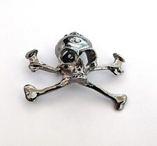 Skull and crossbones gunmetal coloured metal pin badge brooch 38mm