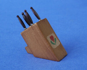 Miniature Dollhouse Set of Knives 1:12 Scale New