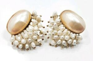 Beautiful Unique Modern 14k Yellow Gold Mobi Pearl Ladies Earrings